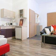 Апартаменты Queens Apartments Вена комната для гостей фото 2