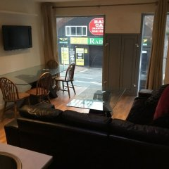 Апартаменты Whitworth Street Apartments гостиничный бар