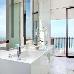 Отель Hilton Pattaya Таиланд, Паттайя - 9 отзывов об отеле, цены и фото номеров - забронировать отель Hilton Pattaya онлайн ванная фото 3