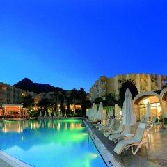 Marmaris Resort & Spa Hotel Турция, Кумлюбюк - отзывы, цены и фото номеров - забронировать отель Marmaris Resort & Spa Hotel онлайн бассейн фото 3