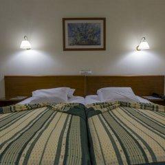 Отель Ponta Delgada Понта-Делгада сейф в номере