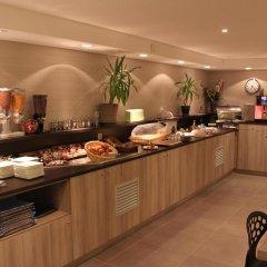 Hotel Kyriad Lyon Est - Saint Bonnet de Mure питание