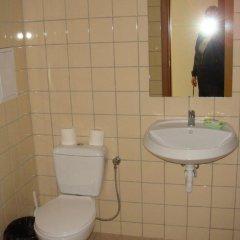 Отель Еви 1 Болгария, Поморие - отзывы, цены и фото номеров - забронировать отель Еви 1 онлайн ванная