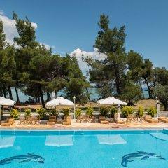 Hotel Rema бассейн