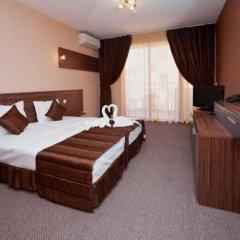 Отель Family Hotel Coral Болгария, Поморие - отзывы, цены и фото номеров - забронировать отель Family Hotel Coral онлайн сейф в номере