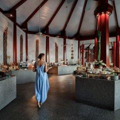 Отель The Surin Phuket развлечения