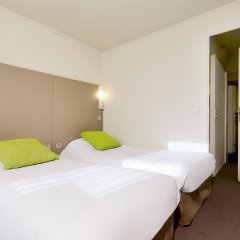 Отель Campanile Paris Est - Porte de Bagnolet Франция, Баньоле - 9 отзывов об отеле, цены и фото номеров - забронировать отель Campanile Paris Est - Porte de Bagnolet онлайн комната для гостей фото 2