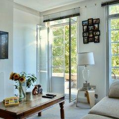 Апартаменты 2 Bedroom Apartment in Belsize Park Лондон комната для гостей фото 5
