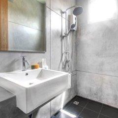 Отель Lemonade Phuket ванная