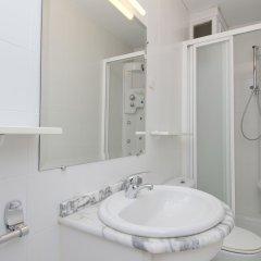 Отель Apartamento Paseo del Prado II Мадрид ванная фото 2