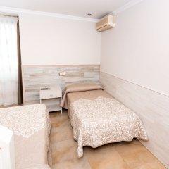 Hostel Viky Мадрид комната для гостей