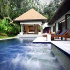 Отель Villa Suksan Nai Harn бассейн