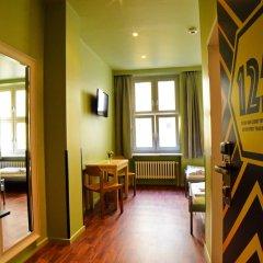 Отель Amstel House Hostel Германия, Берлин - 9 отзывов об отеле, цены и фото номеров - забронировать отель Amstel House Hostel онлайн комната для гостей фото 9