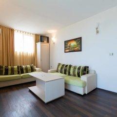 Апартаменты One Bedroom Apartment with Balcony in Avalon Complex комната для гостей фото 4