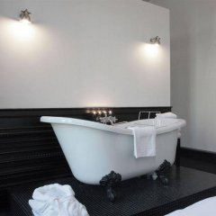 Отель Guesthouse The Black ванная