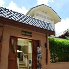 Отель Baan Dinso Hosteltrok Sin Dinso Road фото 3