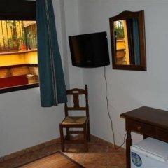 Отель Hostal Lojo Испания, Кониль-де-ла-Фронтера - отзывы, цены и фото номеров - забронировать отель Hostal Lojo онлайн удобства в номере