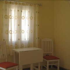 Апартаменты Green Garden Apartment комната для гостей