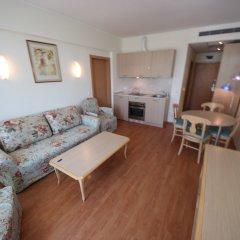 Отель Menada Oasis Resort Apartments Болгария, Солнечный берег - отзывы, цены и фото номеров - забронировать отель Menada Oasis Resort Apartments онлайн комната для гостей фото 5