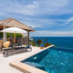 Отель Cape Shark Pool Villas бассейн