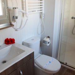Отель Devesa Gardens Camping & Resort ванная фото 2