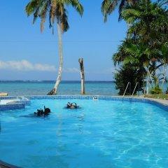 Отель Namolevu Beach Bures бассейн