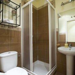 Отель Apartamentos Tirso De Molina ванная фото 2