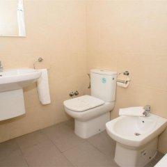 Отель Hostal Tarba ванная фото 2