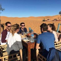 Отель Sahara Camp & Camel Trek Марокко, Мерзуга - отзывы, цены и фото номеров - забронировать отель Sahara Camp & Camel Trek онлайн помещение для мероприятий