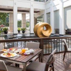 Отель Grande Centre Point Hotel Ploenchit Таиланд, Бангкок - 3 отзыва об отеле, цены и фото номеров - забронировать отель Grande Centre Point Hotel Ploenchit онлайн питание фото 2