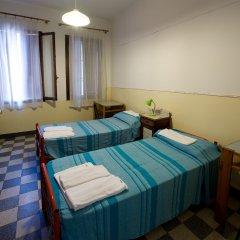 Отель Хостел Domus Civica Италия, Венеция - 3 отзыва об отеле, цены и фото номеров - забронировать отель Хостел Domus Civica онлайн комната для гостей фото 4