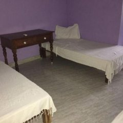 Green's Guesthouse in Pondicherry, India from 49$, photos, reviews - zenhotels.com guestroom