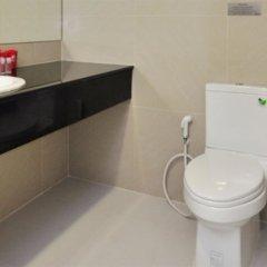 Отель ZEN Rooms Pridi 14 ванная фото 2