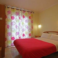Отель Hostal Casa Bueno Испания, Мадрид - отзывы, цены и фото номеров - забронировать отель Hostal Casa Bueno онлайн сейф в номере