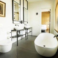 Отель Conscious Hotel Westerpark Нидерланды, Амстердам - отзывы, цены и фото номеров - забронировать отель Conscious Hotel Westerpark онлайн ванная
