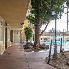 Отель Rodeway Inn Convention Center США, Лос-Анджелес - отзывы, цены и фото номеров - забронировать отель Rodeway Inn Convention Center онлайн