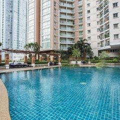 Отель The Narathiwas Hotel & Residence Sathorn Bangkok Таиланд, Бангкок - отзывы, цены и фото номеров - забронировать отель The Narathiwas Hotel & Residence Sathorn Bangkok онлайн бассейн