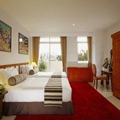 Отель Waterfront Suites Phuket by Centara Стандартный номер разные типы кроватей