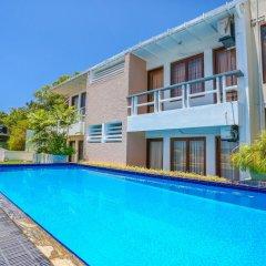 Отель Mount Marina Villas бассейн