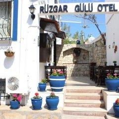 Отель Rüzgargülü Otel Бозджаада бассейн