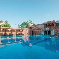 Отель Chokhi Dhani Resort Jaipur бассейн