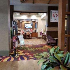 Отель Suites at the Tahiti Village США, Лас-Вегас - отзывы, цены и фото номеров - забронировать отель Suites at the Tahiti Village онлайн интерьер отеля