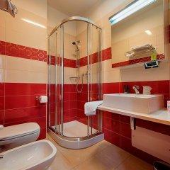 Отель HB Aosta Hotel & Balcony SPA Италия, Аоста - отзывы, цены и фото номеров - забронировать отель HB Aosta Hotel & Balcony SPA онлайн ванная фото 2