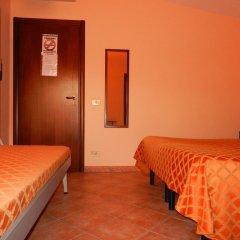 Hotel Piscina La Suite Фонди комната для гостей фото 4