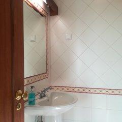 Отель Molinum a Soulful Country House Португалия, Пешао - отзывы, цены и фото номеров - забронировать отель Molinum a Soulful Country House онлайн ванная