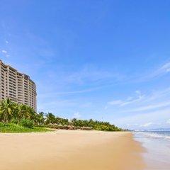 Отель Sheraton Sanya Bay Resort пляж