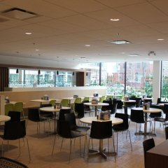 Отель Chestnut Residence and Conference Centre - University of Toronto