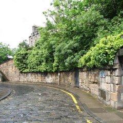 Отель Calton Hill Idyllic Cottage Feel Next 2 Princes St Эдинбург парковка