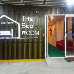 Отель The Bedroom Kata Beach интерьер отеля