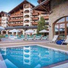 Отель Kempinski Hotel Grand Arena Болгария, Банско - 2 отзыва об отеле, цены и фото номеров - забронировать отель Kempinski Hotel Grand Arena онлайн бассейн фото 2